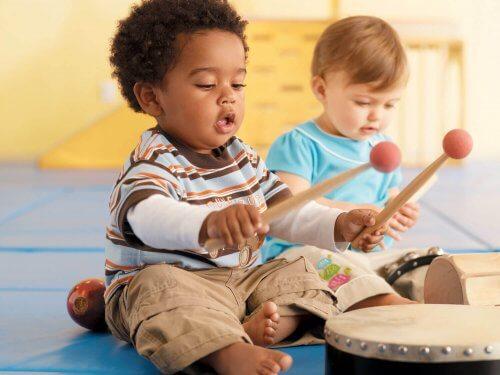 Tocar um instrumento musical ajuda na concentração