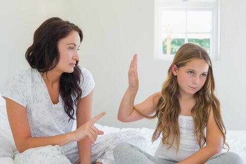 Como agir quando seu filho resolve dar um gelo em você?