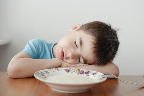 Por que meu filho está cansado o tempo todo?