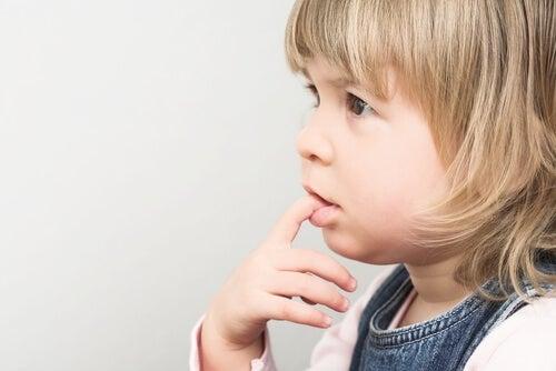 ajudar as crianças a superar a vergonha