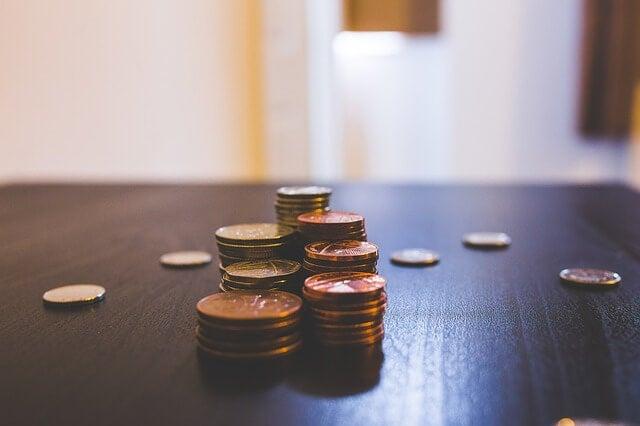 moedas conceito de poupança mesada