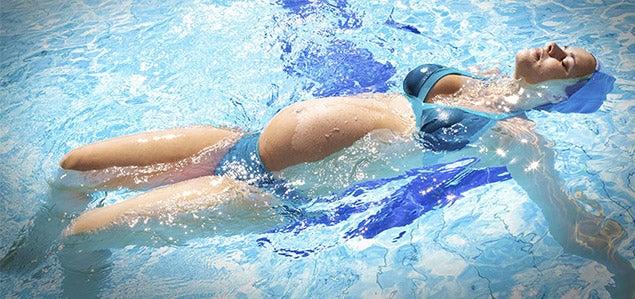 Praticar natação durante a gravidez