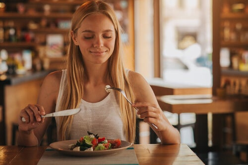 Alimentos que devo evitar consumir se quiser engravidar