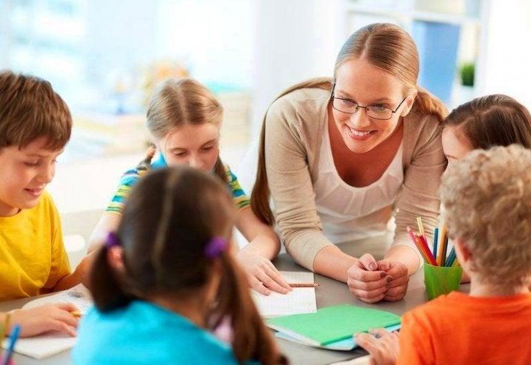 A empatia do professor é fundamental para o desenvolvimento acadêmico das crianças