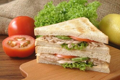 sanduíche peixe
