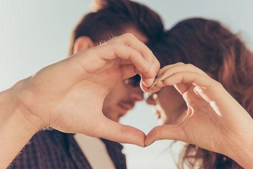 7 benefícios de se casar jovem