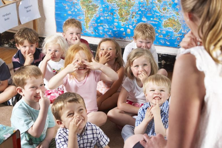 Benefícios da creche para bebês e crianças