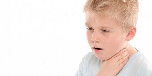 O que fazer se meu filho engolir um objeto?