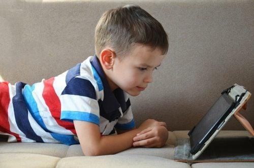O uso dos tablets pelas crianças é positivo?