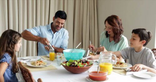 almoçar e jantar em família