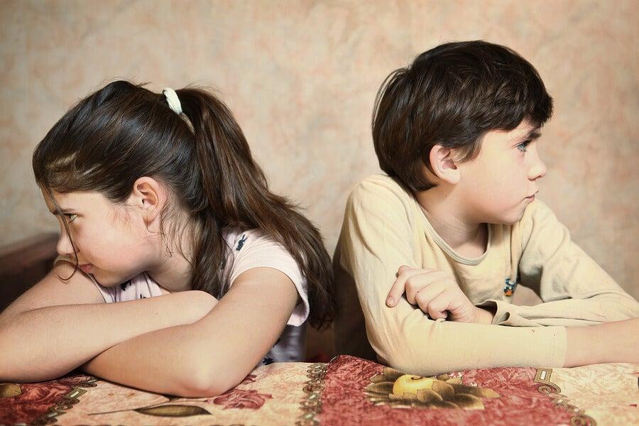 Irmãos que não se dão bem: o que fazer?