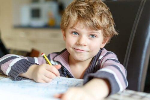 Crianças com mau comportamento na escola, o que fazer?