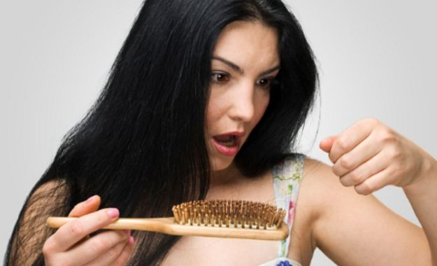 Maneiras de prevenir a queda de cabelo após o parto é controlando o estresse