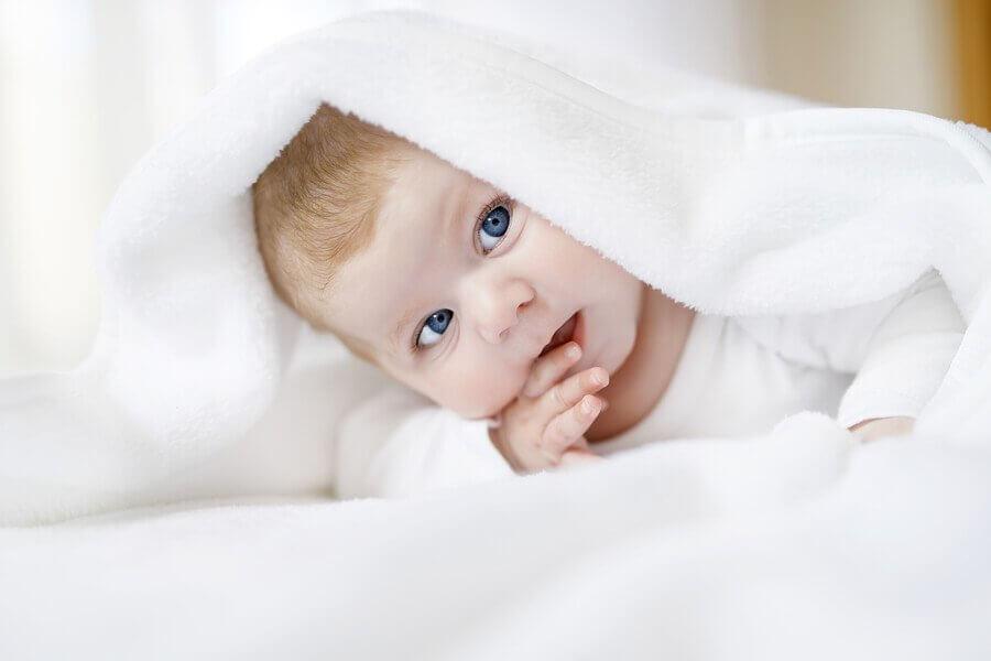 Como saber se o bebê enxerga bem?