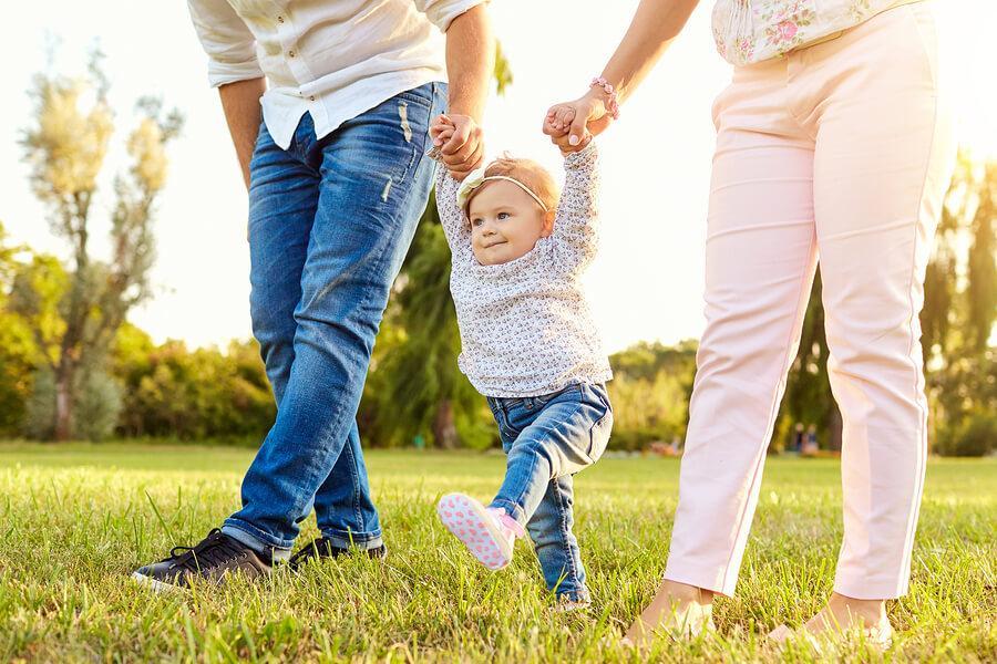 Você sabe em que momento os bebês começam a andar?