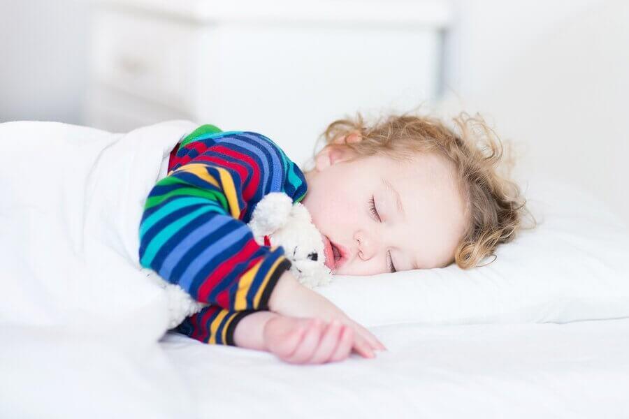 Não há regras sobre o quanto tempo deve ser a soneca das crianças.
