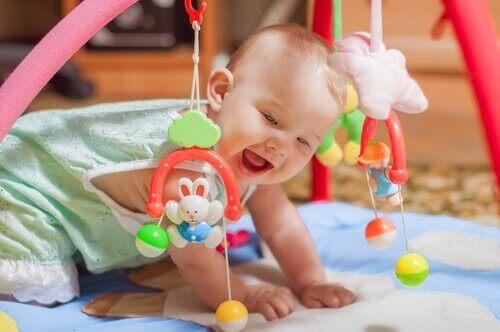 Para ter um lugar seguro para as crianças, devemos também considerar os brinquedos.
