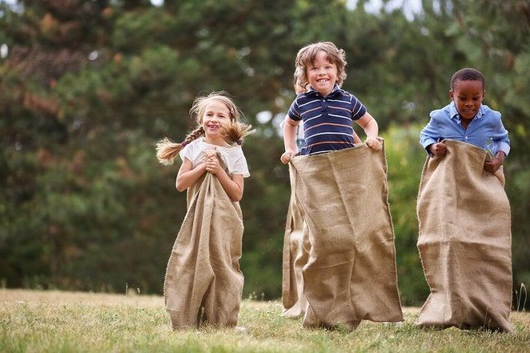Brincadeiras que trazem benefícios específicos para as crianças