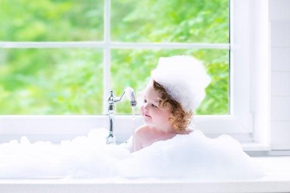 O banho das crianças: Importância e dicas práticas