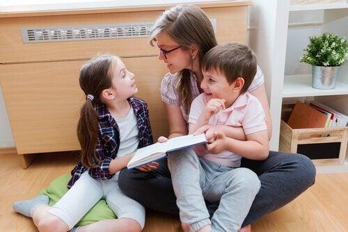 É ideal que a criança tenha contato com a leitura através da música desde cedo.