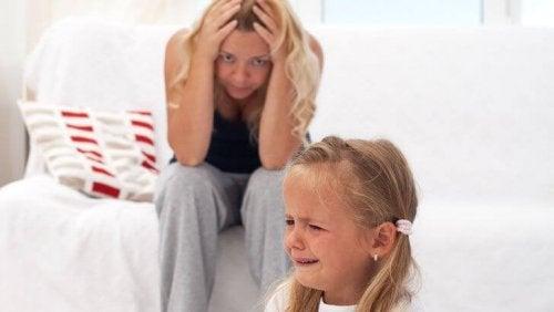 criança irritada