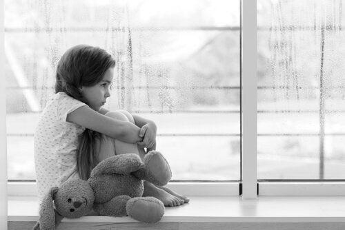 A ausência dos pais tem consequências principalmente nas crianças.
