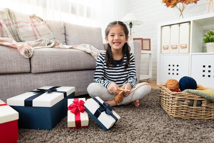 Como evitar a síndrome da criança hiper-presenteada?