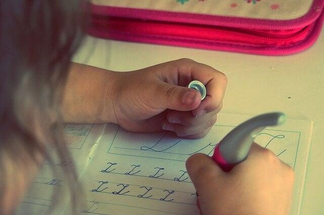 Estratégias de aprendizagem para fazer com que as crianças estudem