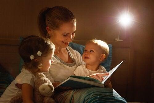 Ler histórias antes de dormir é um hábito saudável