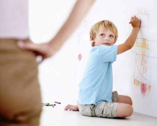 educar crianças desobedientes