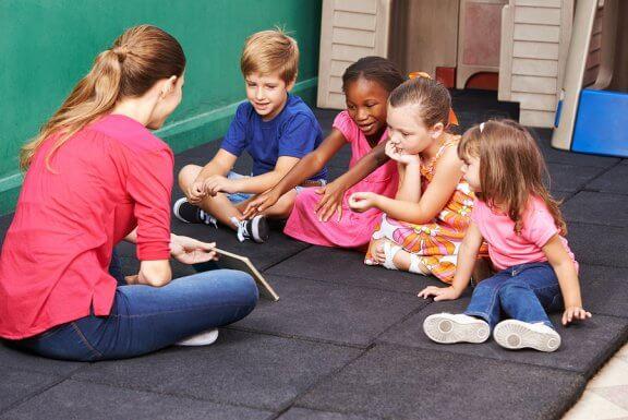 Três atividades para ensinar as crianças a resolver conflitos