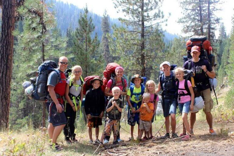 As trilhas em família trazem muitos benefícios.