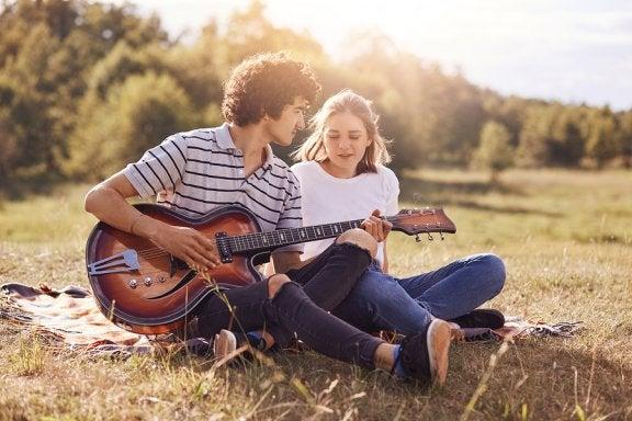 O que fazer se eu não gostar do namorado da minha filha?