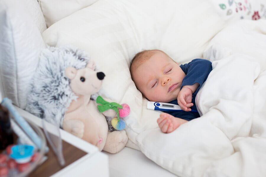 Dicas de como baixar a febre nos bebês