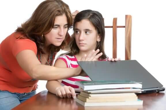 O controle excessivo dos pais: chaves para superá-lo