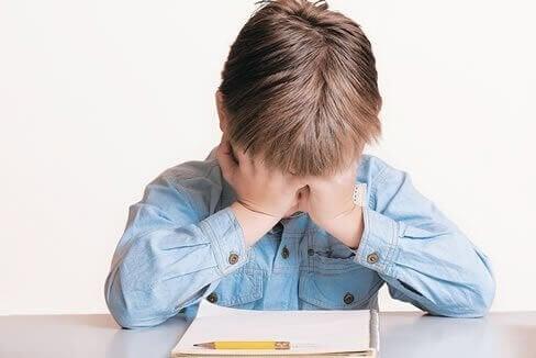 Meu filho não quer continuar estudando: o que fazer?