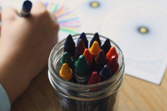 Como interpretar as cores nos desenhos das crianças?