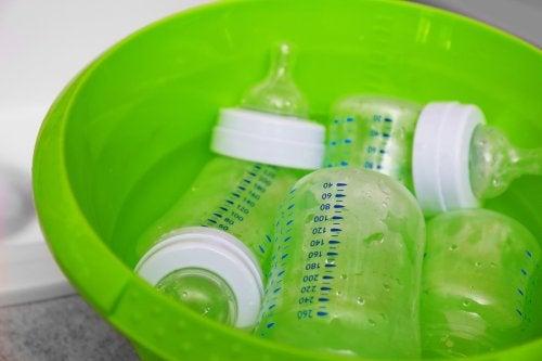 Limpar apenas com água e sabão