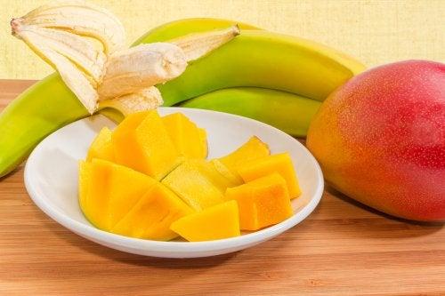 A banana é um dos alimentos que ajudam nos estudos.