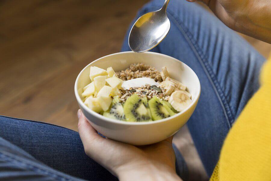 6 alimentos para reduzir o desconforto na gravidez e ter boa saúde