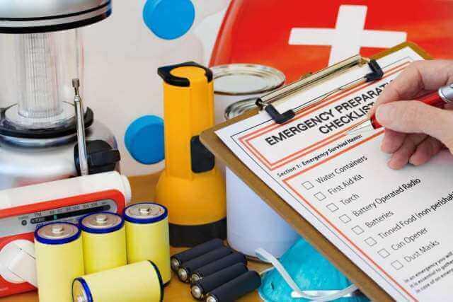 O kit de primeiros socorros de casa tem a função de garantir a tranquilidade da família em caso de emergências.