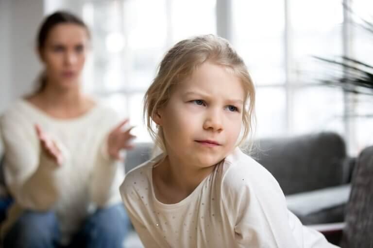 Os pais helicópteros e o seu impacto nas crianças