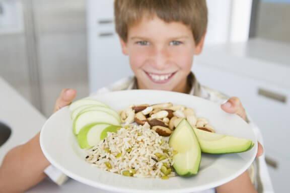 Como a alimentação influencia o desempenho escolar?