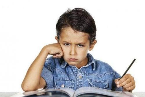 Meu filho não quer continuar estudando o que fazer
