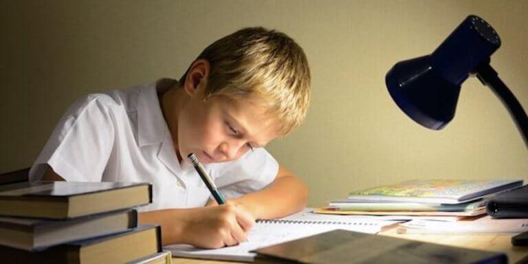 Como educar as crianças quanto ao respeito pelos professores