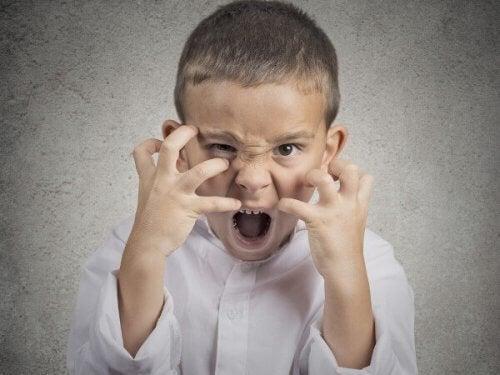 Enfraquecer o comportamento agressivo