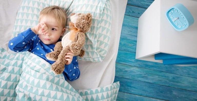 Meu filho não quer dormir sozinho: o que posso fazer?