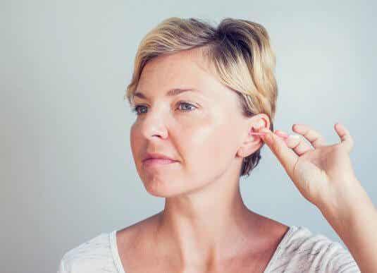 Higiene dos ouvidos: saiba a importância dela e como fazer