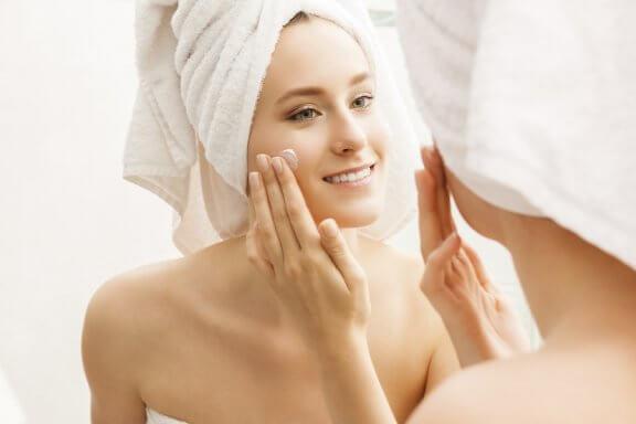 6 truques para manter a pele hidratada e em perfeitas condições