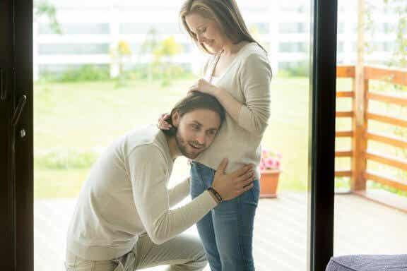 A importância de conversar com o bebê durante a gravidez